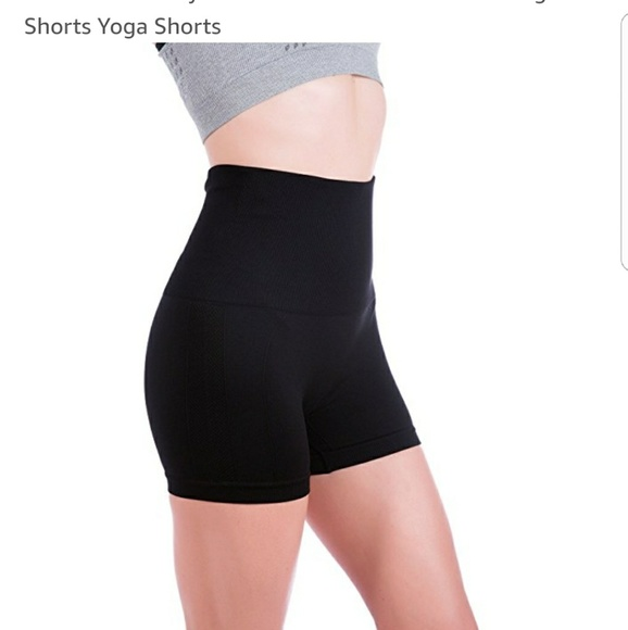 bcf5d8ec01 NWT high waist yoga shorts. M_5a844ae005f430b9270b6aa5